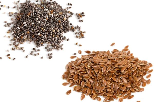 Chia Seeds vs Flax Seeds 1